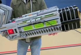 Il BFG 9000 di Doom riprodotto con le lego