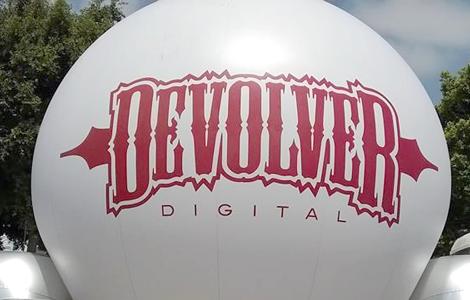 [E3 2016] Devolver Digital, birra e videogiochi nel più bello stand della fiera