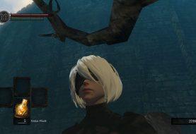 La protagonista di Nier: Automata 2B arriva in Dark Souls