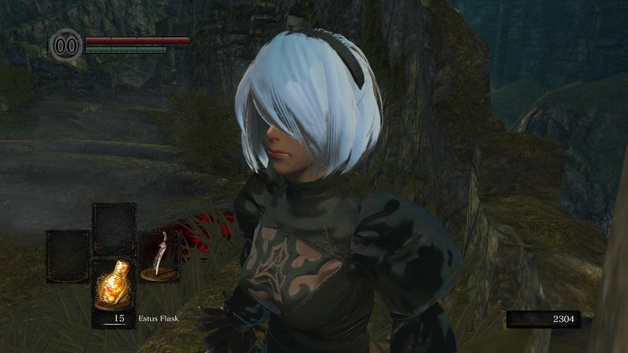 Dark Souls: aggiornata la mod che ci permette di vestire i panni di 2B di NieR Automata