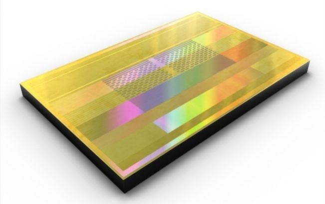Samsung DRAM 12Gb LPDDR5 per mobile in produzione