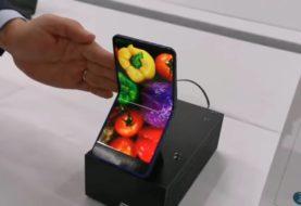 Sharp svela un nuovo smartphone pieghevole