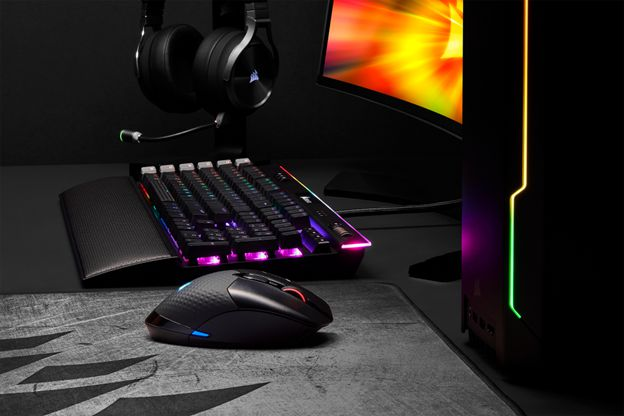 CORSAIR annuncia mouse wireless DARK CORE RGB PRO